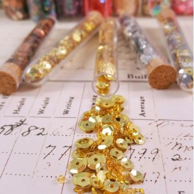Пайетки золотые в колбе